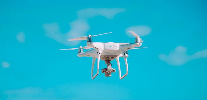 La romería y el dron.