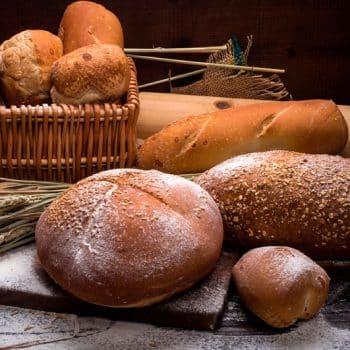Manipular, diversas clases de pan.